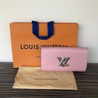20717d24bd65 Louis Vuitton - Twist Wallet - Wallet
