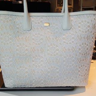 Handbags – 拍賣– Barnebys.hk上的所有拍賣 b8287a8b2db67