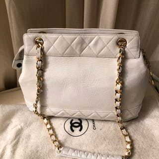 49ac3483dad8 Chanel bag – Auction – All auctions on Barnebys.com