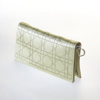 Christian Dior Handbag – Current sales – Barnebys.com d4b931dc267