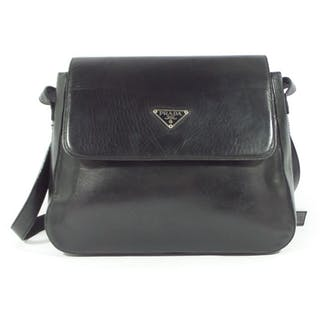 Prada Shoulder bag – Current sales – Barnebys.com a4cc8faf876a1
