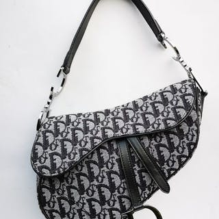 Christian Dior - Saddle Handbag – Current sales – Barnebys.co.uk 7cf0cbe1618be