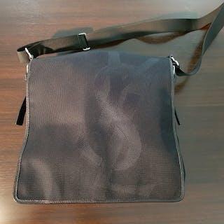 a1a7675226a3 Yves Saint Laurent Handbag – Current sales – Barnebys.co.uk