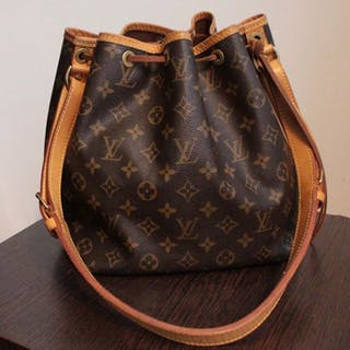 76ea539c518 Louis Vuitton Shoulder bag – Current sales – Barnebys.com