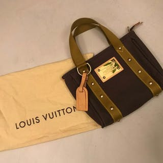 07670137ddd4 Handbags louis vuitton – 拍賣– Barnebys.hk上的所有拍賣