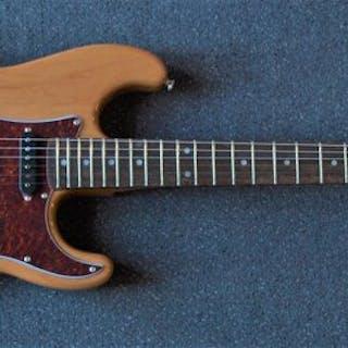 London City - Spitfire MKII stratocastermodel Naturel - Electric guitar