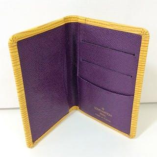 Louis Vuitton - Portefeuille Porte Cartesen Cuir Epi Briefcase ... 1df0aaac6c3