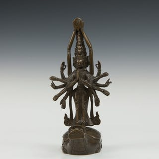 Bronze sculpture of Avalokiteshvara - China - 19th century