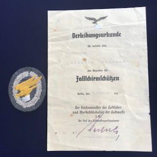 Third Reich Fallschirmschutzenabzeichen in fabric with ...