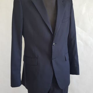on sale 132b1 1b2af prada suit catawiki - floatingjokes.com ee79e32ac1755