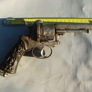 5d0cbe8a6d6e Pin fire revolver calibre 9 mm – Current sales – Barnebys.co.uk