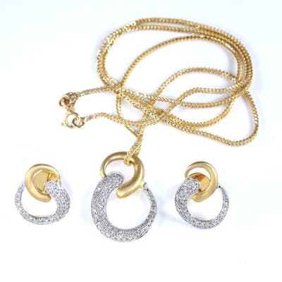 18 K /750 Yellow Gold Pendant Necklace with matching Earrings
