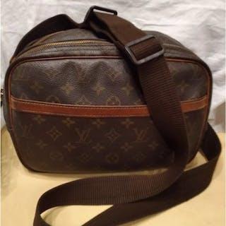 Louis Vuitton - Reporter Crossbody bag