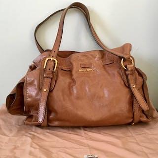 238c5d506ad Miu MIu - Vitello Lux Shoulder bag – Current sales – Barnebys.com