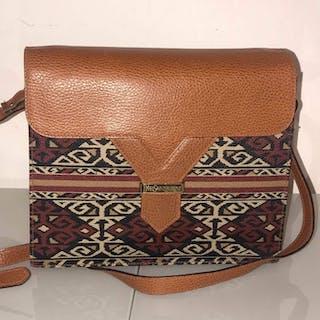 0bee6f042c15 Yves Saint Laurent Crossbody bag – Current sales – Barnebys.co.uk