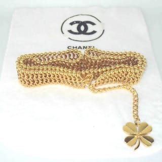 a64d255d8 Chanel - Chain Link Belt with Four Leaf Clover CC Charm Gold Tone Hardware