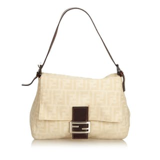 e39fde8a90d Fendi Baguette – Current sales – Barnebys.co.uk