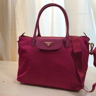 b12e9eaba399 Prada Handbag – Current sales – Barnebys.com