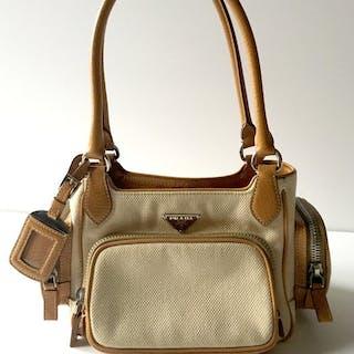fcd74c02cda3 Prada Shoulder bag – Current sales – Barnebys.com