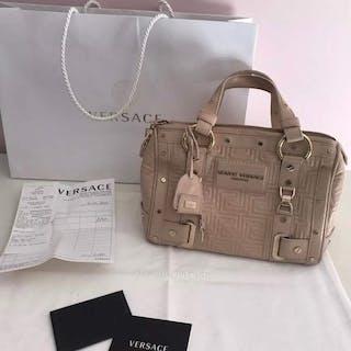 1631f41d332 Versace Handbag – Current sales – Barnebys.co.uk