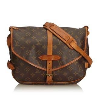 Louis Vuitton - MONOGRAM SAUMUR 35 Crossbody bag – Current sales ... a0a7b5001d34d