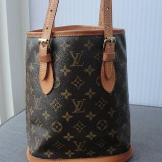 Louis Vuitton - Bucket PM monogram canvas schoudertas  Handbag 1eac3b976e9