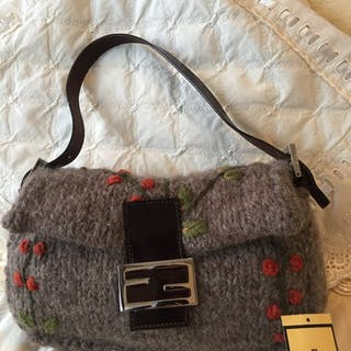 2fecae6076b Fendi - Knit Wool Baguette Shoulder Bag Shoulder bag Catawiki