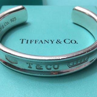 228aaa507b0e2 Tiffany - 925 Silver - Bracelet – Current sales – Barnebys.com
