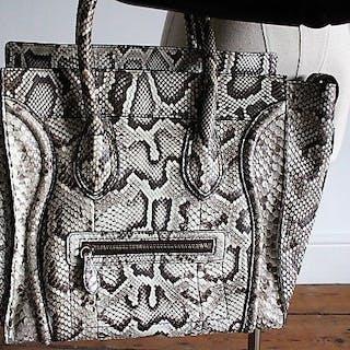 555d6659da Handbags – Auction – All auctions on Barnebys.co.uk