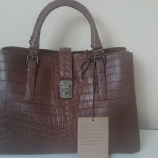 b61bf5e45d3 Hand bag – Auction – All auctions on Barnebys.co.uk