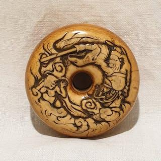 Netsuke (1) - Avorio di elefante - Giappone - Periodo Edo (1600-1868)