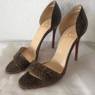 7e08c3c6448 Christian Louboutin Pumps – Current sales – Barnebys.com