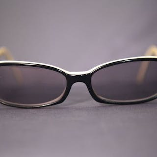 6197b2703f25c Chanel - Black   White Sunglasses – Current sales – Barnebys.com