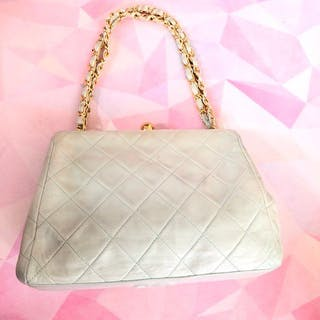 Handbags chanel – Auction – All auctions on Barnebys.com eb314b8f9e5e6