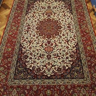 Isphahan - Isfahan carpet over 1,200,000 knots / sqm - 240 cm - 156 cm