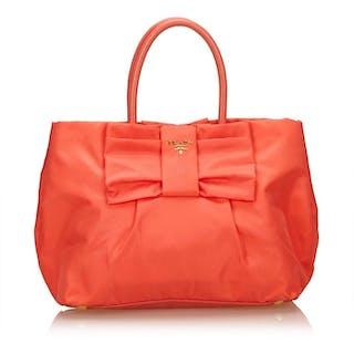 1c0e8ad5b6c2 Prada Tote Bag – Current sales – Barnebys.com