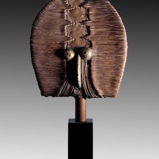 Exquisite relic figure - Wood, brass, copper - Shamaye - Kota - Gabon