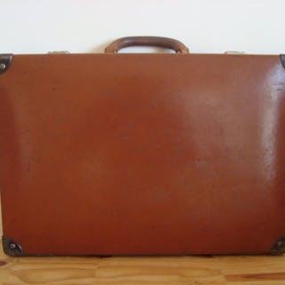 d72969c6216 Louis Vuitton Suitcase – Current sales – Barnebys.com