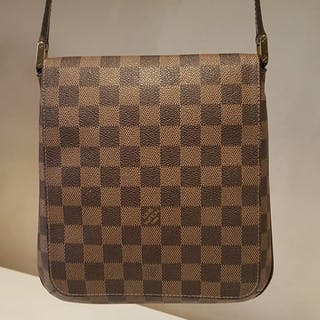 7a332442a31 Louis Vuitton - Damier Ebene musette salsa Crossbody bag – Current ...