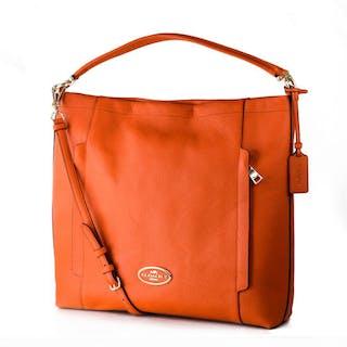 Coach - LARGE SCOUT HOBO IN PEBBLE LEATHER Handbag – Current sales –  Barnebys.co.uk e6f94f0df7f10