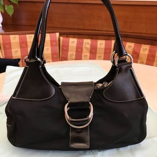Prada Prada shoulder bag and handbag – Current sales – Barnebys.co.uk 17d888ca7ba56