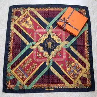 Hermès scarf - carré box   ribbon bolduc - Brins d or... – Current sales –  Barnebys.com 13880b96dd0