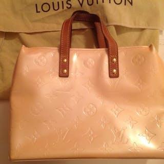 f1d9d831d50a Louis Vuitton Handbag – Current sales – Barnebys.co.uk