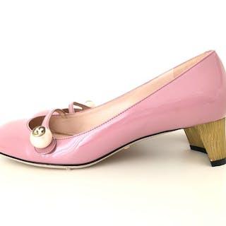 5ed7dcd6560 Gucci Ballerina shoes – Current sales – Barnebys.com