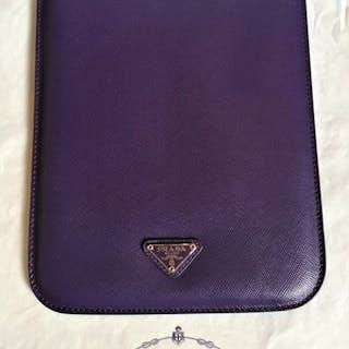 a78aa186a36e Prada Soft Saffiano leather,luxury mini ipad case.Brand new. – Current  sales – Barnebys.com
