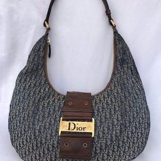 Christian Dior - Handbag – Current sales – Barnebys.com cda4d82b2f857