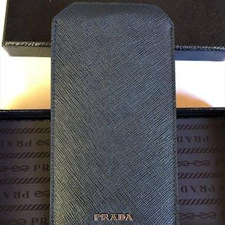 5294c7eed2c0 Prada Soft Saffiano leather,luxury phone case. – Current sales –  Barnebys.com
