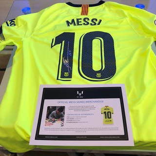 ee5f6896675 FC Barcelona - Spanish Football League - Lionel Messi - 2019 - Jersey – Current  sales – Barnebys.com