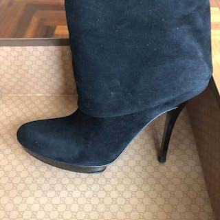 792fdb27e52 Gucci Ankle boots – Current sales – Barnebys.com
