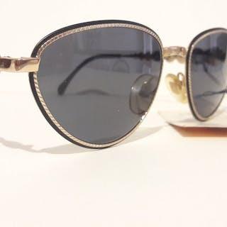 dd772e46c43f Fendi - FS216col. 529 Sunglasses – Current sales – Barnebys.com
